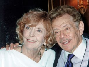 Anne Meara (left) and husband Jerry Stiller (right) in 2002.