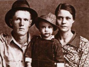 Vernon, Elvis and Gladys Presley c. 1937.