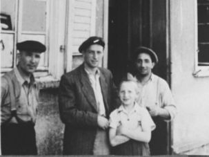Ultra-Orthodox Holocaust survivors at Zeilsheim DP preparing to settle at Kibbutz Hafetz Haim, c. 1947