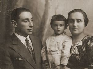 They Are Family: Researching his genealogy for his book, 'The Family,' David Laskin learned of his Vilna ancestors, seen here circa 1933.