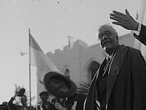 I Do Declare: Arthur Balfour, author of the Balfour Declaration, being presented to Tel Aviv by the city's mayor in 1925.