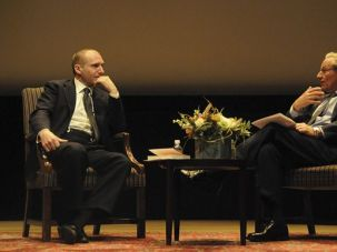 Inspired: Ralph Fiennes (left) and Bob Woodward discuss Fiennes?s many World War II roles.
