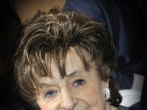 A Proper Lady: Amelie Jakobovits died May 7 at 81.