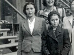 Masha Leon (right) with her mother in Montreal, a couple of weeks before Halloween, 1941.