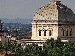 A pig?s head was delivered to Rome?s main synagogue by courier only days before International Holocaust Remembrance Day.