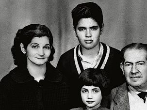 In Egypt: On the eve of leaving Egypt, Leon and Edith had a family portrait taken with Issac and six-year-old Loulou.
