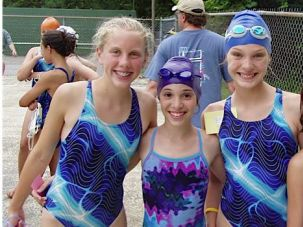 Kate Goldbaum (center left) weighed only 85 pounds as a 14-year-old; she put off taking ?biologics.?