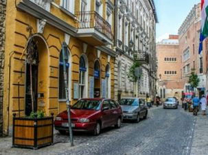 Jewish Quarter: 48% of Hungary Jews have seriously considered emigration. Overall, nearly a third of European Jews feel the same.