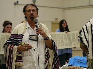 Message of Hope: Rabbi Moshe Raphael Halfon, left, and Rabbi Ken Milhander holds prayer service with inmates.