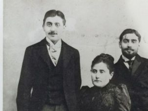 Proust?s Way: The French author with his mother, Jeanne, and his brother, Robert.