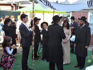 McJunkin Marriage: The newly Jewish Sholom and Nechama McJunkin tied the knot in Brooklyn with a crowd of mostly strangers.