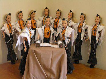 Torah Scribe Jen Taylor Friedman gave Barbie a new look.