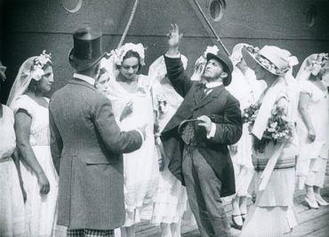 Kinojudaica: The film Le Bonheur Juif, directed by Alexis Granowsky, was released in 1925.