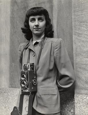 Portrait of Esther Bubley by John Vachon, 1944.