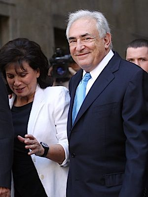 Strauss-Kahn, after being released from house arrest, with his wife, the journalist Anne Sinclair.