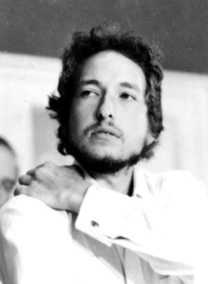 Robert Zimmerman: Bob Dylan at a press conference on the Isle of Wight, 1969.