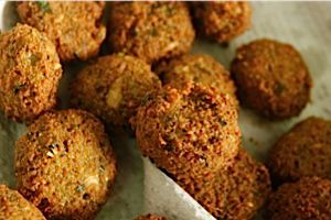 See below for a video of the largest falafel.