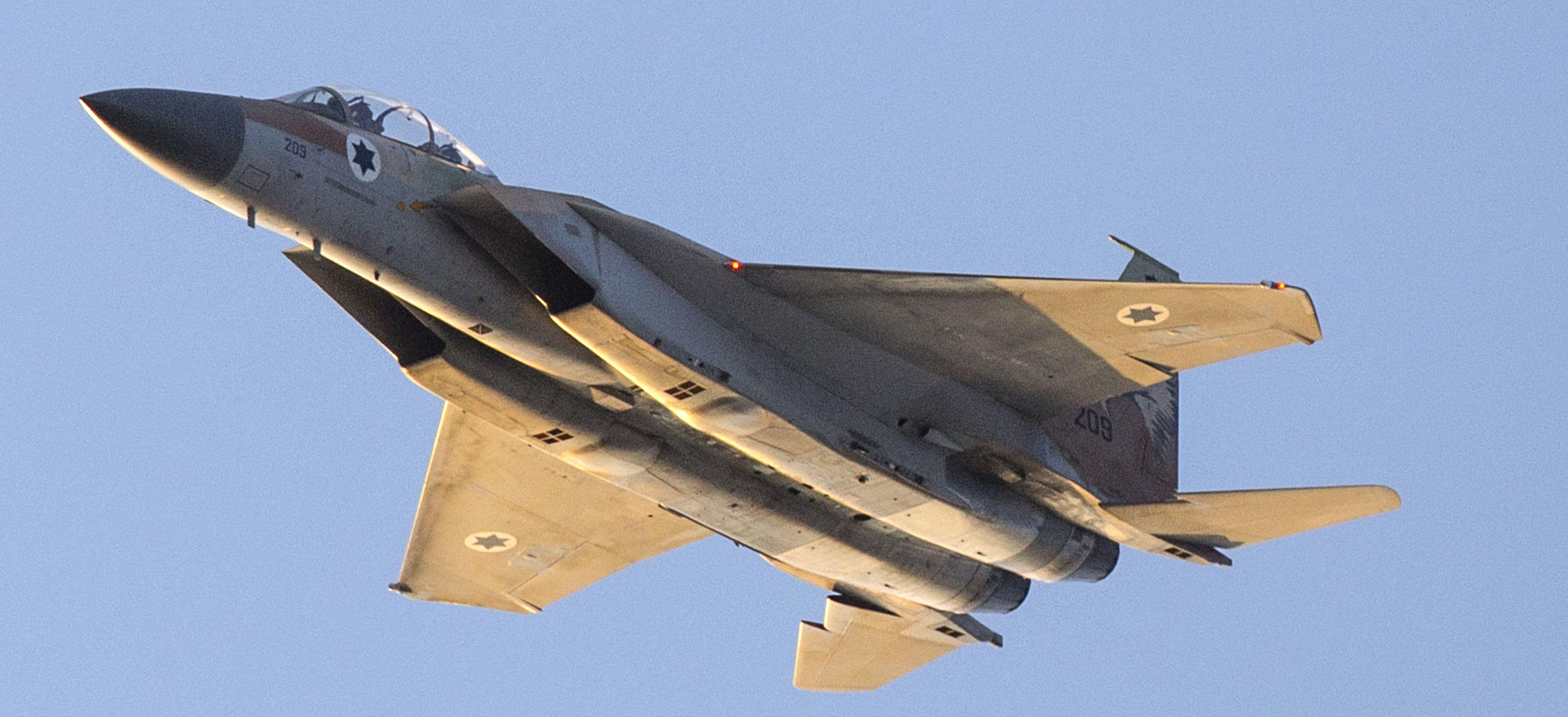 israel-air-forcee-1453722214.jpg