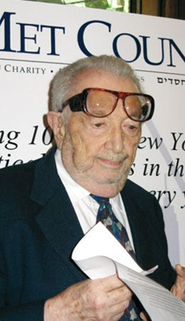 ?A Long Journey?: Henry Orenstein is honored at Met Council?s dinner.