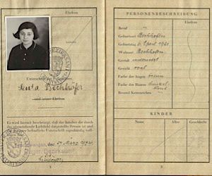 American Arrival: Senta Baum?s passport photo, taken in 1934 when she emigrated to the U.S.