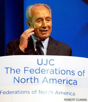 PRESIDENT: Shimon Peres spoke to the communal officials who gathered in Jerusalem for the annual General Assembly of the United Jewish Communities.