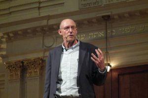 Michael Pollan chats at D.C.?s 6th and I Synagogue.