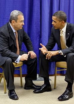 Cordial Chat: President Barack Obama chats with Israeli Defense Minister Ehud Barak on the sidelines of the URJ biennial.
