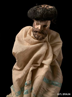 L?CHAIM: In her series ?Awakening Puppets,? Braun breathes new life into an collection of wooden dolls.
