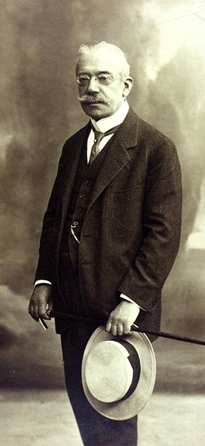 GREATER THAN NAPOLEON: James Simon (pictured here circa 1914) collected more Egyptian art than anyone but Napoleon, and donated it all to museums.
