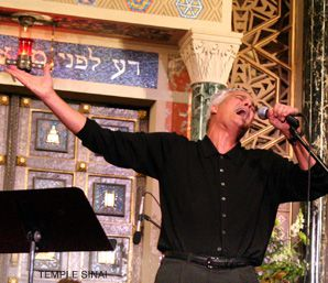 SING IT: After musician Craig Taubman created Friday Nigh Live, a monthly service at Temple Sinai in Los Angeles, the synagogue's attendance grew to 1,500 from 100.