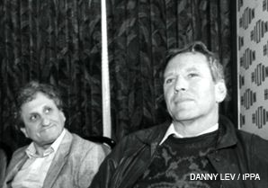 LITERATI: A.B Yehoshua, left, and Amos Oz, pictured in 1991, took center stage in Israeli literary circles in the 1960s.